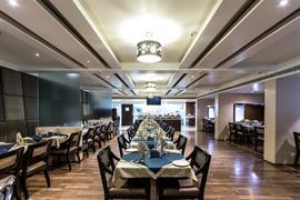 76564_002_Restaurant