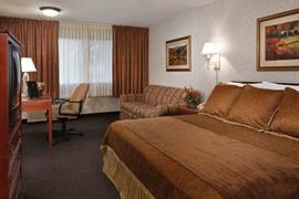 42039_006_Guestroom