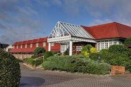 calcot-hotel-grounds-and-hotel-18-83831