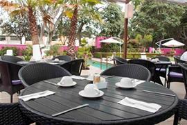70097_006_Restaurant