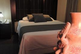 70159_005_Guestroom