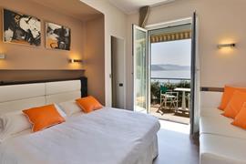 98080_000_Guestroom
