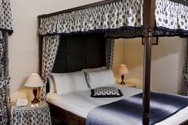 reigate-manor-hotel-bedrooms-10-83118