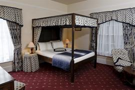 reigate-manor-hotel-bedrooms-12-83118