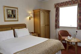 reigate-manor-hotel-bedrooms-14-83118