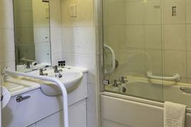 reigate-manor-hotel-bedrooms-16-83118