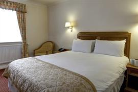 reigate-manor-hotel-bedrooms-17-83118