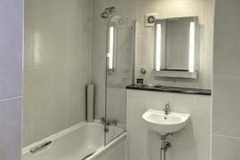 reigate-manor-hotel-bedrooms-22-83118