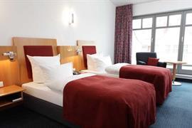 95215_007_Guestroom