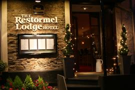 restormel-lodge-hotel-grounds-and-hotel-22-83742