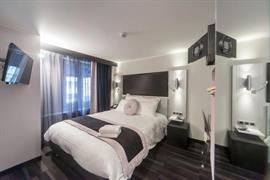 93816_001_Guestroom