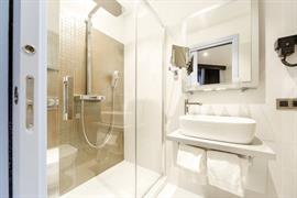 93816_005_Guestroom