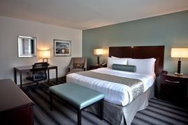 14112_002_Guestroom