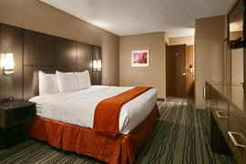 14132_001_Guestroom