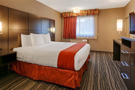 14132_002_Guestroom