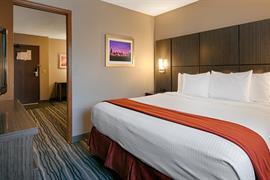 14132_005_Guestroom
