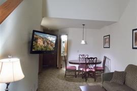 24107_003_Guestroom