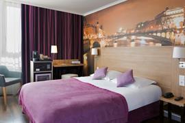 93838_004_Guestroom