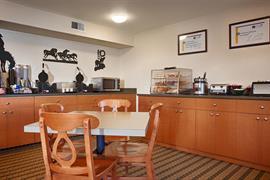 05653_006_Restaurant