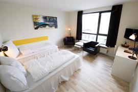 96094_004_Guestroom