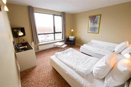 96094_006_Guestroom