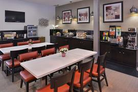 05268_007_Restaurant