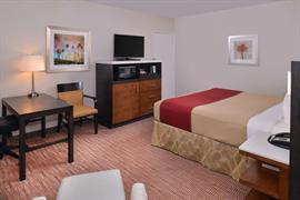 05268_064_Guestroom