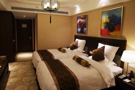 78682_006_Guestroom