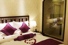 78682_007_Guestroom