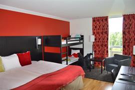 88213_003_Guestroom