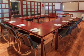 88213_007_Meetingroom