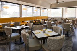 03074_004_Restaurant