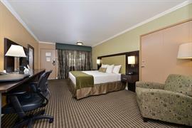 03074_006_Guestroom