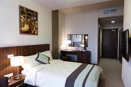 91209_006_Guestroom