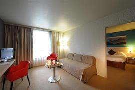 93732_006_Guestroom