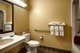 44427_007_Guestroom