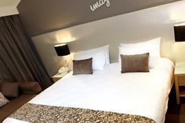 97369_006_Guestroom