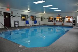 38155_002_Pool