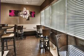 44418_004_Restaurant