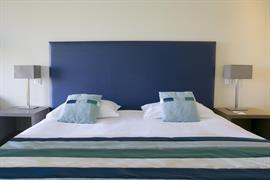 93702_007_Guestroom