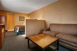 05475_005_Guestroom