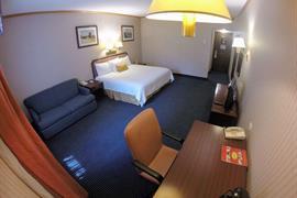 70078_004_Guestroom