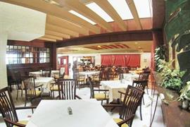 70078_006_Restaurant