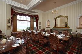 scores-hotel-dining-32-83405