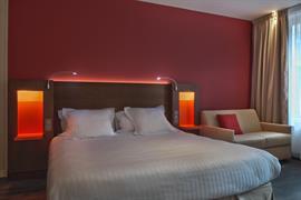 93832_004_Guestroom