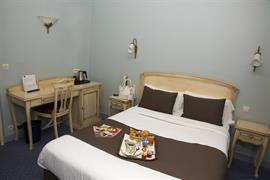 93602_005_Guestroom