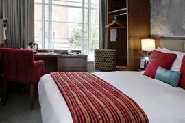 seraphine-kensington-olympia-hotel-bedrooms-22-83966