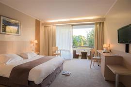 93092_002_Guestroom