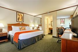05281_002_Guestroom