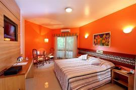 77055_007_Guestroom